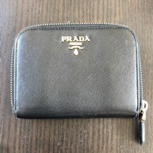 💯Authentic Prada Saffiano Compact Wallet in Black